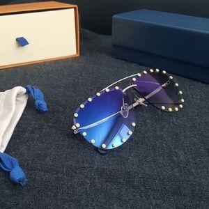 Authentic Louis Vuitton The Party Pop Sunglasses